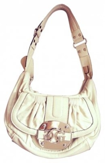 Preload https://item5.tradesy.com/images/guess-creamy-white-leather-shoulder-bag-152579-0-0.jpg?width=440&height=440