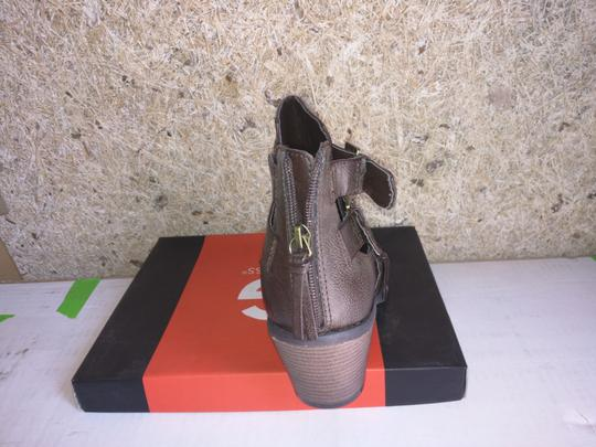 Guess Womens Brown Boots Image 3