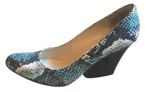 Max Studio Blue snakeskin Wedges