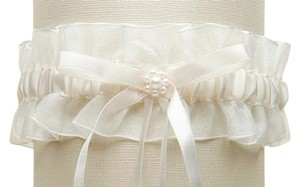 Ivory Organza Wedding Garter With Satin Ribbon & Pearls 3767g-i
