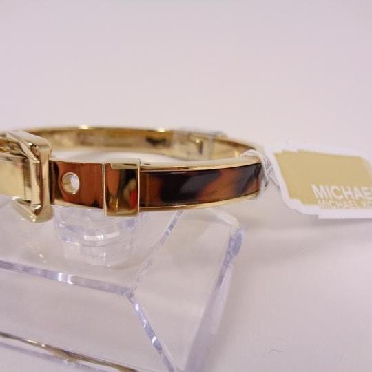 Michael Kors Michael Kors Buckle Bangle - Tortoise/ Golden brass hardware MKJ1674-710 Image 3