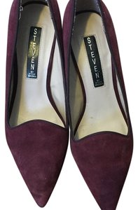 Steven by Steve Madden Deep purple / almost burgandy. Pumps