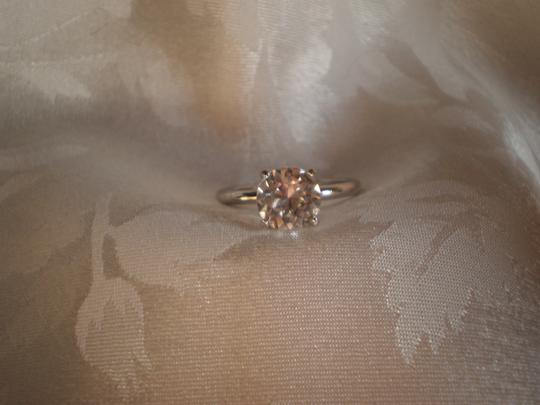 Preload https://item4.tradesy.com/images/like-new-solitaire-ring-152648-0-0.jpg?width=440&height=440