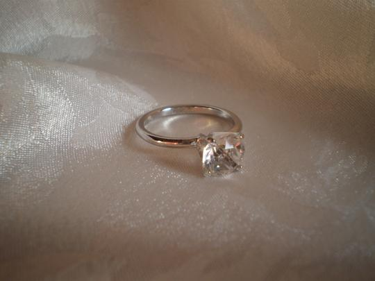 Other Like new solitaire ring