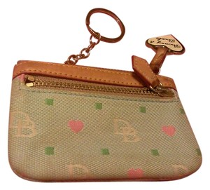 Dooney & Bourke Wristlet in Acqua/blue