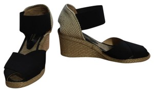 Andre Assous Black and white Wedges