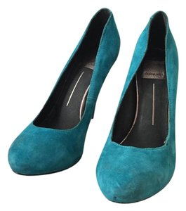 Dolce Vita Suede Turquoise Pumps