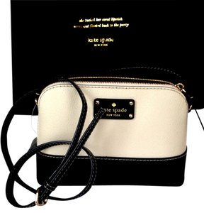 Kate Spade Dust Cover Included New With Tag Fast Shipping Cross Body Bag