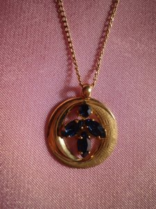 Other Like new Gold w/blue sapphires necklace