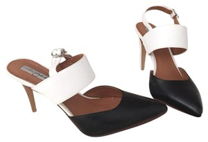 Halogen Black and white Pumps