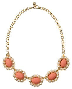 Banana Republic Banana Republic Bloom necklace in coral