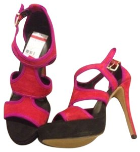 Jessica Simpson Crimson red Platforms
