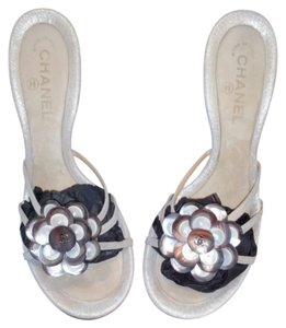 Chanel Metalic white Sandals