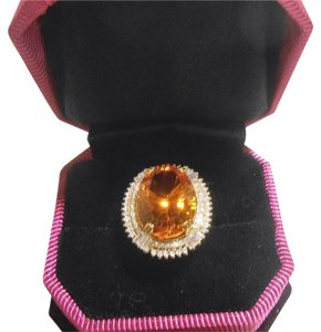 New York Jeweler .97ct Diamonds Surround 16.52 Ct. Citrine In 14k