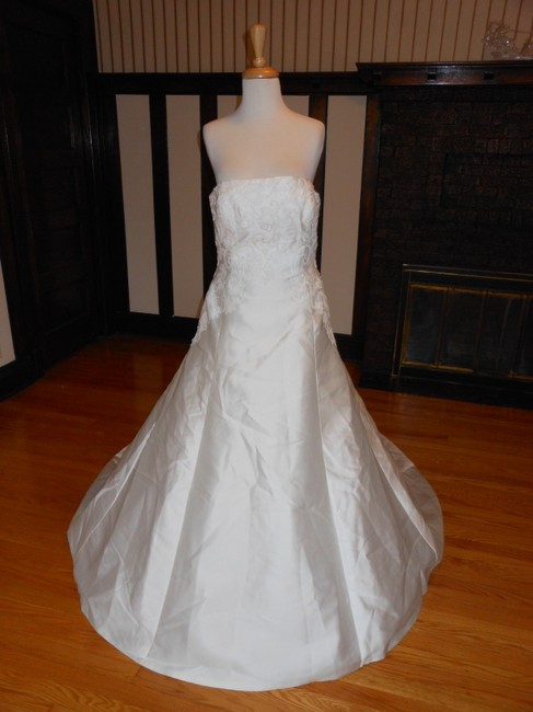 Item - Off White Satin Bongani Destination Wedding Dress Size 12 (L)