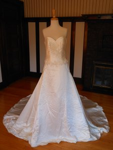 Pronovias Ivory Satin Sample Destination Wedding Dress Size 12 (L)