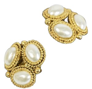 PARIS DESIGNER WOMEN'S YELLOW GOLD PLATED FAUX PEARL CLIP ON EARRINGS