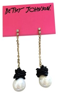 Betsey Johnson Bestey Johnson Pearl Dangling Earrings