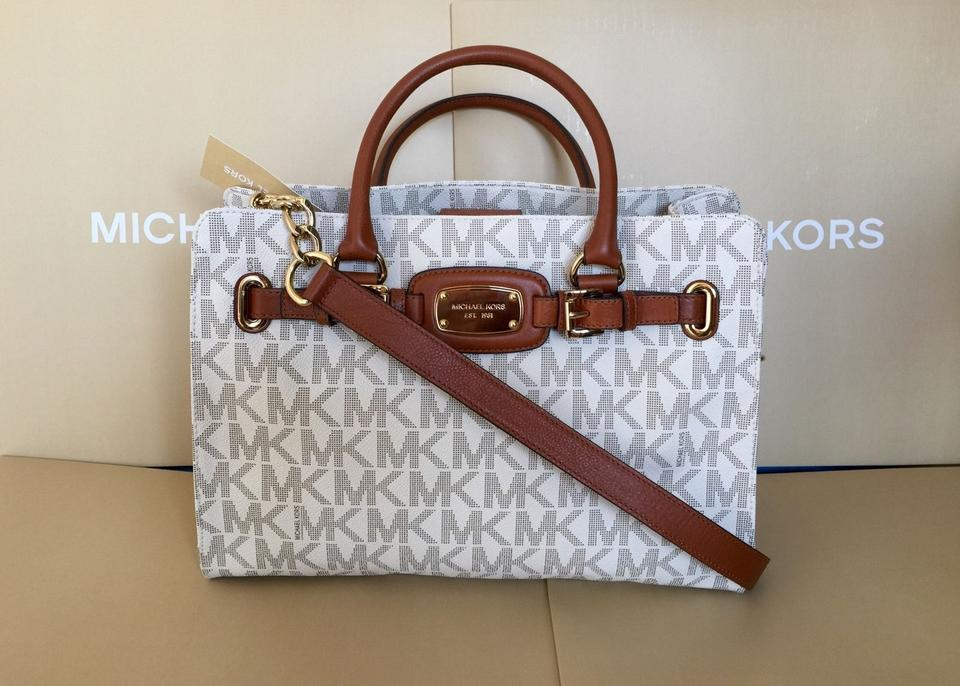 3bb41e45f8e6 Michael Kors Hamilton Wallet Cosmetic Case Satchel in Vanilla Image 11.  123456789101112