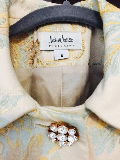 Neiman Marcus Ivory With Gold Tapestry Blazer