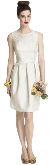 Item - Ivory Gold 5710 Mid-length Cocktail Dress Size 10 (M)