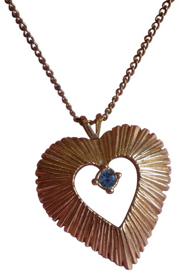 Preload https://img-static.tradesy.com/item/152855/like-new-goldtone-heart-waquamarine-birthstone-necklace-0-1-540-540.jpg