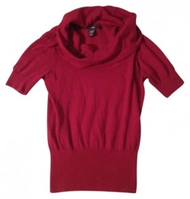 Preload https://item2.tradesy.com/images/h-and-m-red-sweaterpullover-size-0-xs-152876-0-0.jpg?width=400&height=650