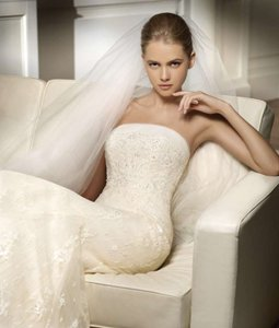 Pronovias Rosana Wedding Dress