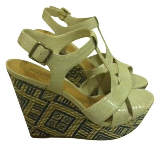 Kenneth Cole Reaction Wedge Chunky Tribal Cream Sandals