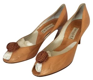 Casadei Camel. Pumps