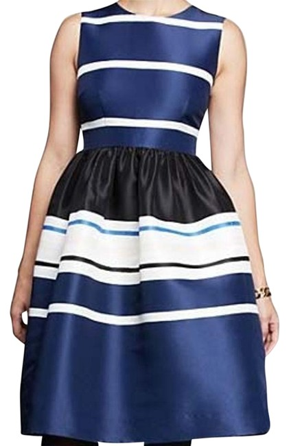 Item - Navy New Strip Fit and Flare Short Cocktail Dress Size 6 (S)