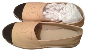 Chanel Espadrilles Lambskin Rare New Beige and black Flats