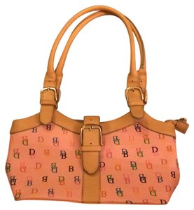 Dooney & Bourke Tote in Pink And Tan