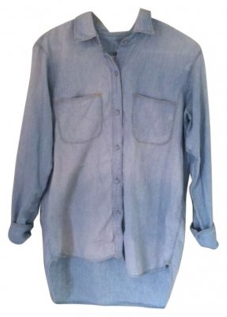 Preload https://img-static.tradesy.com/item/153005/madewell-chambray-button-down-top-size-8-m-0-0-650-650.jpg