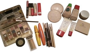 Elizabeth Arden Large Brand Name Makeup Lot