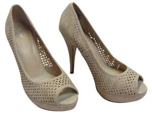 Apt. 9 New Size M Neutral Platforms