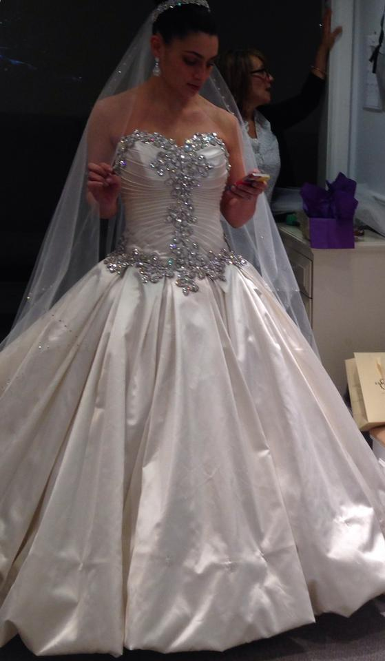 Pnina tornai antique white satin formal wedding dress size 6 s pnina tornai antique white satin formal wedding dress size 6 s tradesy junglespirit Image collections