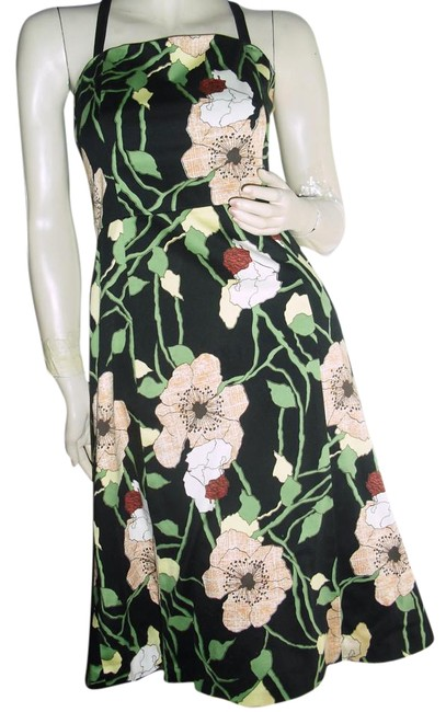 Item - New York Floral Print Unique Sexy Back Floral Black Knee Length Short Casual Dress Size 6 (S)