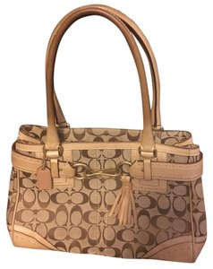 Coach Satchel in Light brown