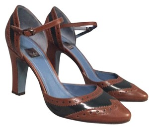 Biala Black and brown Pumps