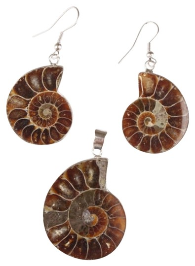 Preload https://item2.tradesy.com/images/shell-stunning-fossil-earrings-and-pendant-1531621-0-0.jpg?width=440&height=440