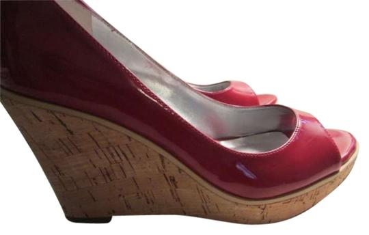 Preload https://img-static.tradesy.com/item/153169/guess-by-marciano-red-wedges-size-us-7-0-0-540-540.jpg
