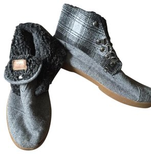 TOMS Convertible Comfortable Grey Boots