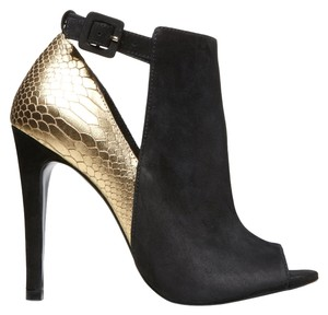 Steven by Steve Madden Black Gold Pumps