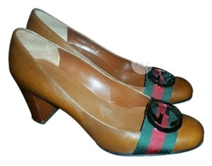 Gucci cognac Pumps