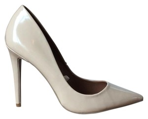 Mossimo Supply Co. Nude Stilleto Pointed Toe Pumps
