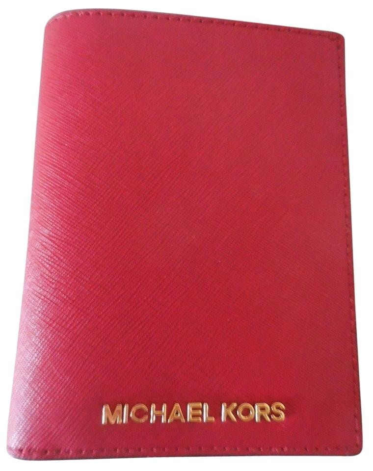 1d2be192b92a Michael Kors Jet Set Travel Saffiano Leather Passport Wallet Image 0 ...