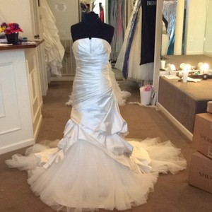 Pronovias Ivory Wedding Dress Size 8 (M)
