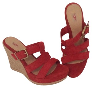 UGG Australia Hedy Tomato Soup Sandals