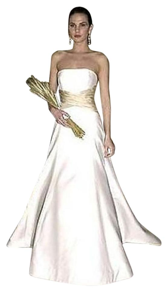 Carolina herrera wedding dress on sale 90 off wedding Carolina herrera wedding dresses for sale